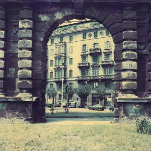 Luigi Ghirri, Porta Romana, Milano, 1987